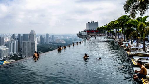 En este hotel podr s nadar en la piscina m s larga del for Piscina infinita construccion