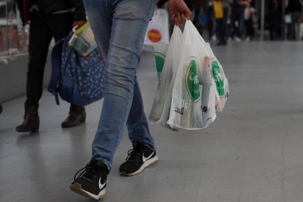Sten Gustaf Thulin, el inventor de la bolsa de plástico solo quería ayudar  al planeta | El Mundo al Instante